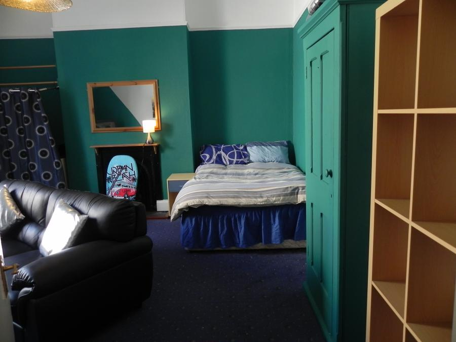 Large double room Rutger Place