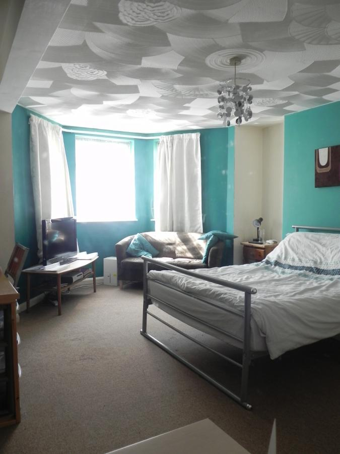 Large double room North Road East